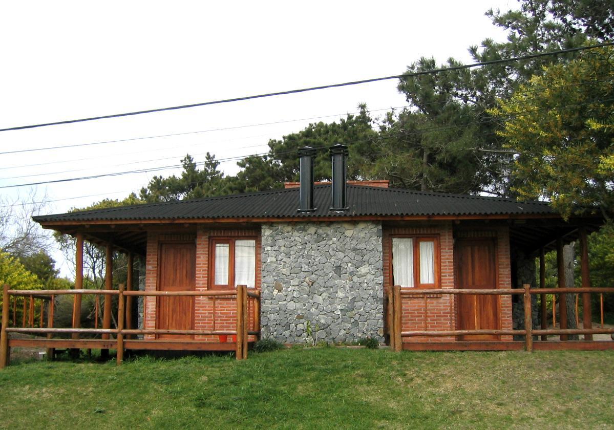 Onduline Clássica® | foto de casa com telha ecológica na cor preta