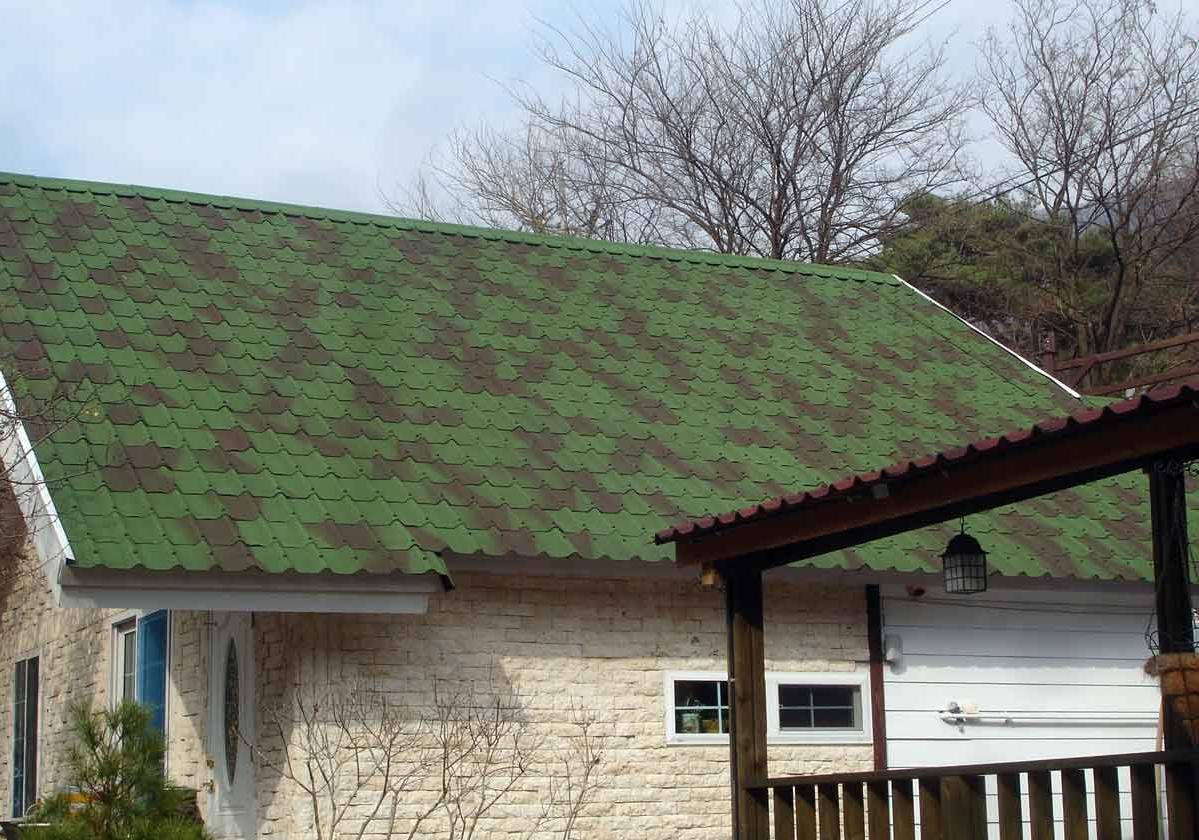 Onduvilla® | foto de aplicação da telha ecológica premium na cor Shaded Green