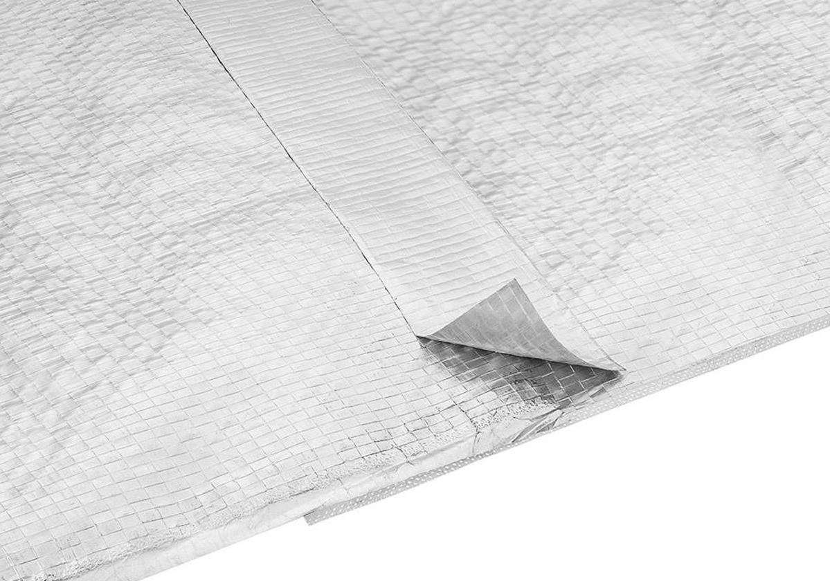 Foto com aplicação da fita adesiva aluminizada Foil Tape